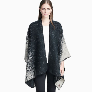 Calvin Klein Ombré Blanket Shawl - NEW 💝